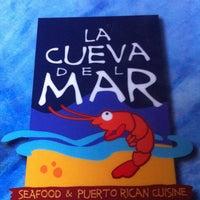 Снимок сделан в La Cueva del Mar пользователем Dizmassage G. 5/7/2013