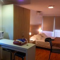 Foto tomada en Massini Suites por Rodrigo A. el 9/20/2013