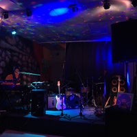 Photo taken at Red Lion Pub by Richie W. on 9/15/2015
