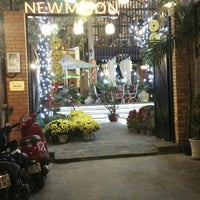 Photo taken at Newmoon Cafe by Phạm P. on 2/6/2014