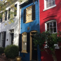 Photo taken at The Spite House by Erlie P. on 10/28/2017