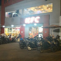 Photo taken at KFC / KFC Coffee by Steven H. on 10/16/2015