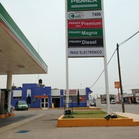 Photo taken at Gasolinera ESNOP by Abraham D. on 5/11/2013