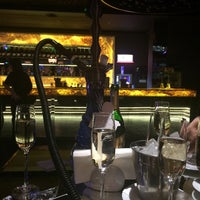 Снимок сделан в Famous Restaurant and Dancing Terrace пользователем Mary S. 11/20/2014