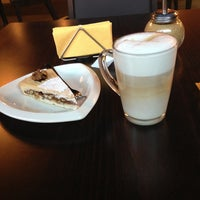 Снимок сделан в Coffeebook пользователем Mashasha E. 9/1/2013