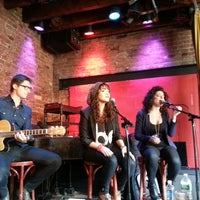 Foto tirada no(a) Rockwood Music Hall por Marc G. em 3/24/2013