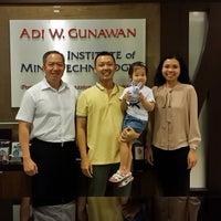 Photo taken at Adi W. Gunawan Institute   Klinik Hipnoterapi by Yoffy J. on 8/27/2015