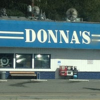 Das Foto wurde bei Donnas Truckstop von Blondie D. am 8/17/2013 aufgenommen