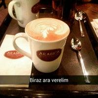2/7/2015 tarihinde KG T.ziyaretçi tarafından Arabica Coffee House'de çekilen fotoğraf