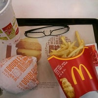 Photo taken at McDonald's 麦当劳 by Shaoju C. on 4/26/2015