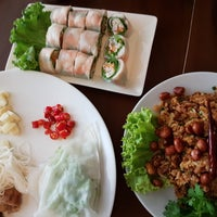 Photo taken at Eat Viet by Sukhatai A. on 6/22/2017
