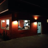Photo taken at Tomato Pie Pizza Joint by Luis H. on 9/22/2013