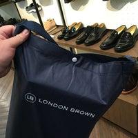 Photo taken at London Brown by Kaowoat K. on 1/4/2017