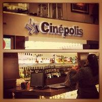 Photo prise au Cinepolis Luxury Cinemas par Larry T. le12/26/2012
