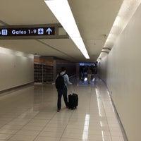 รูปภาพถ่ายที่ Terminal A โดย Sean M. เมื่อ 6/20/2015