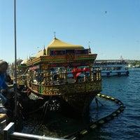 6/22/2013 tarihinde Enes Melih S.ziyaretçi tarafından Tarihi Eminönü Balık Ekmek'de çekilen fotoğraf