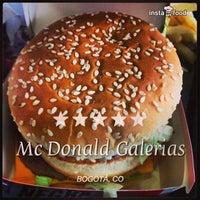 Photo taken at McDonald's by Juan D. Rodriguez B. on 7/13/2013