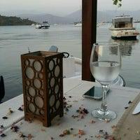 9/8/2015 tarihinde Gulsah Y.ziyaretçi tarafından Fethiye Yengeç Restaurant'de çekilen fotoğraf