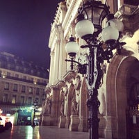 Foto tirada no(a) Place de l'Opéra por Fabien D. em 11/24/2012