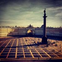 Снимок сделан в Дворцовая площадь пользователем vika 10/12/2013