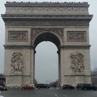 Photo taken at Arc de Triomphe du Carrousel by Ioannis M. on 4/10/2013