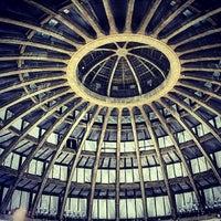 Das Foto wurde bei Jahrhunderthalle von IgersWroclaw W. am 4/11/2013 aufgenommen