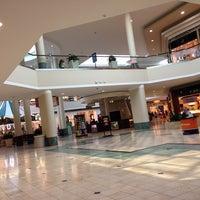 10/21/2013にGigi S.がWoodland Hills Mallで撮った写真