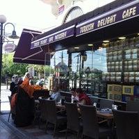 Foto tomada en Grande Cafe por 'Andre Y. el 4/28/2013