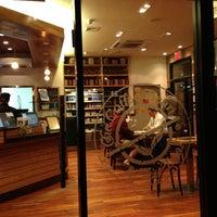 Photo taken at The Coffee Bean & Tea Leaf by Pietro D'Oro on 5/1/2013