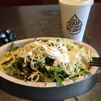 Photo taken at Chipotle Mexican Grill by Jemillex B. on 9/15/2016