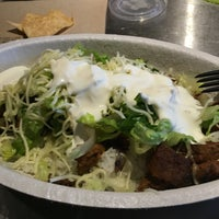 Photo taken at Chipotle Mexican Grill by Jemillex B. on 7/12/2016