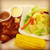 Photo taken at Kenny Rogers Roasters by Jan B. on 4/17/2013
