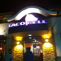 Photo taken at Taco Bell by Pablo O. on 5/15/2013