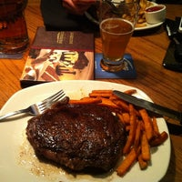 Photo taken at Outback Steakhouse by Stefan on 4/9/2013