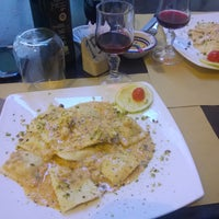 Photo taken at Divino...Rosso by Gabriele P. on 6/12/2015