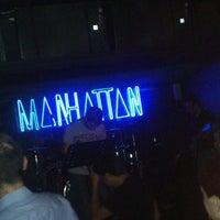 รูปภาพถ่ายที่ Manhattan โดย Yusuf &. เมื่อ 6/22/2013