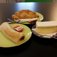 Photo taken at Clare Rise Bakery by Johnny A. on 10/17/2014
