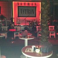 6/28/2013 tarihinde Zerrin A.ziyaretçi tarafından Vitrin Club'de çekilen fotoğraf