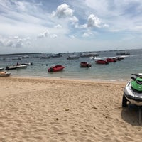 Photo taken at Tanjung Benoa Beach by のたきし@ on 3/10/2017