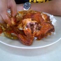 Photo taken at Restoran Taj Point by Naqmal H. on 5/18/2013
