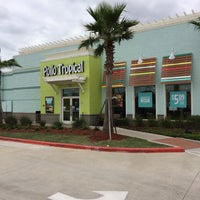 Photo taken at Pollo Tropical by Gil G. on 11/10/2015