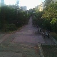7/25/2013 tarihinde Mineziyaretçi tarafından Mimkent Sitesi Yürüyüş Yolu'de çekilen fotoğraf