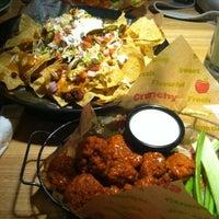 Photo taken at Applebee's Neighborhood Grill & Bar by Eric K. on 5/16/2013