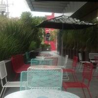 Foto tomada en Cielito Querido Café por Regina M. el 7/20/2013