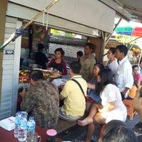 Photo taken at Nasi Bali Men Weti by sarah    aïs™ on 10/27/2012
