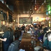 Das Foto wurde bei Pi Bar von Jeremy G. am 2/14/2013 aufgenommen