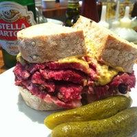 Foto tirada no(a) Z Deli Sandwich Shop por Monik I. em 6/7/2013