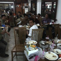 Photo taken at Restoran Datuk Padang by Moehamad M. on 7/25/2014