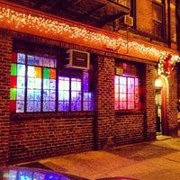1/1/2013 tarihinde WillMcDziyaretçi tarafından 7B Horseshoe Bar aka Vazacs'de çekilen fotoğraf