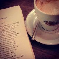 11/15/2013 tarihinde Murat S.ziyaretçi tarafından Mambocino Coffee'de çekilen fotoğraf